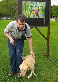 Juan Pablo e sua cão guia Ronja