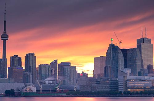 Toronto ao entardecer