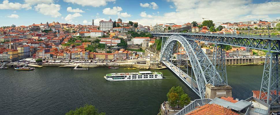 Ponte sob o rio Douro