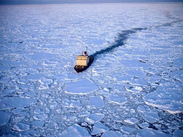 Navio quebra gelo