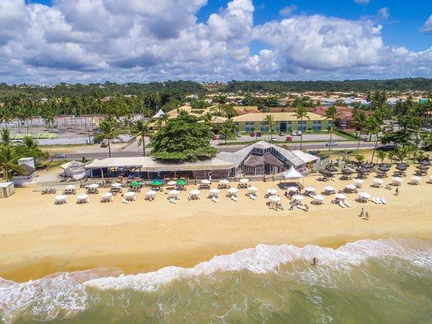 foto panoramica da praia e hotel